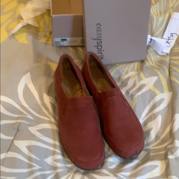 Easy Spirit Shoes - Red Swede